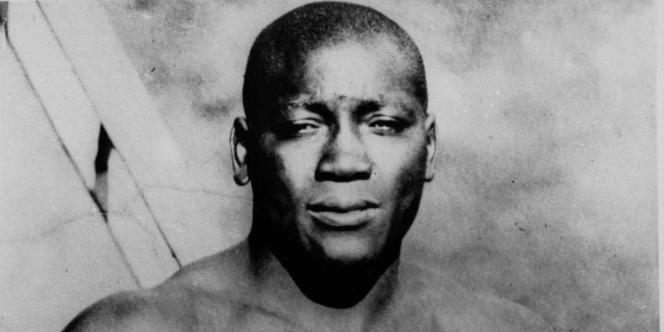 Jack Johnson (1878-1946) a été le premier Noir champion du monde de boxe en catégorie poids lourds.