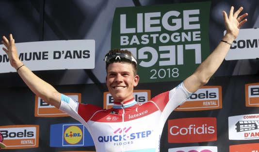 Bob Jungels, vainqueur de Liège-Bastogne-Liège, avec son beau maillot de champion du Luxembourg.
