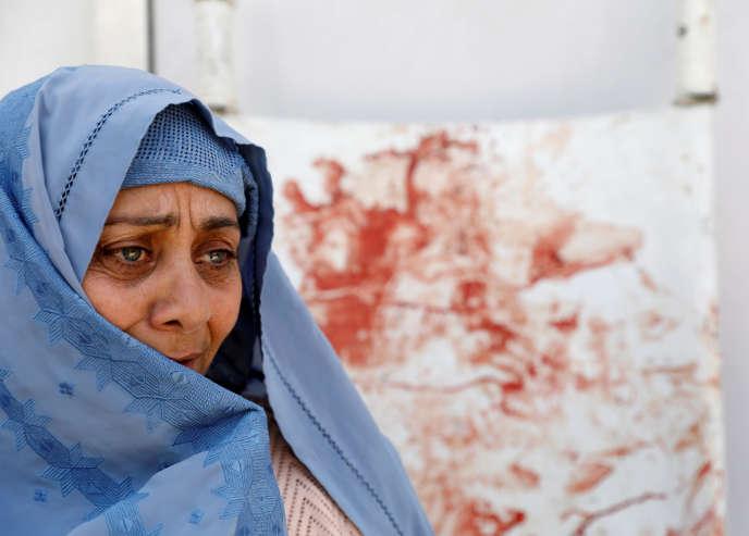 A l'hôpital de Kaboul après l'attentat-suicide contre un centre électoral, le 22 avril.