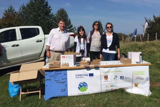 Sophie Royer (à droite sur la photo) au côté de Jean-Louis Valls, directeur de la Communauté de travail des Pyrénées, Maria Baranguan, stagiaire en communication, Cristina Igoa, responsable de communication et mentor«IVY».