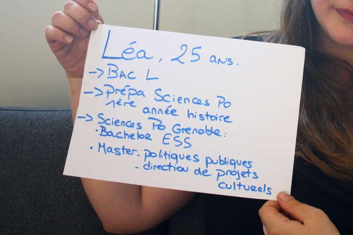 Après avoir brisé des plafonds de verre, Léa, 25ans, doit faire face à une autre réalité, celle des jeunes surdiplômés.
