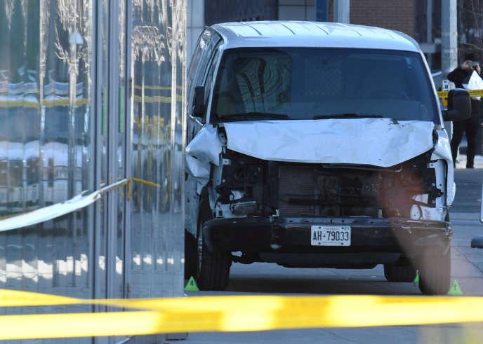 Le camion qui a servi à faucher des passants, à Toronto, le 23 avril.
