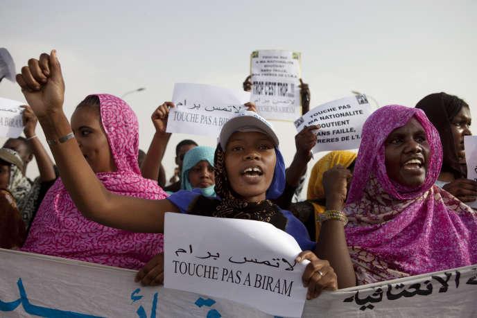 Manifestations de militants anti-esclavagistes à Nouakchott, en Mauritanie, le 26mai 2012.
