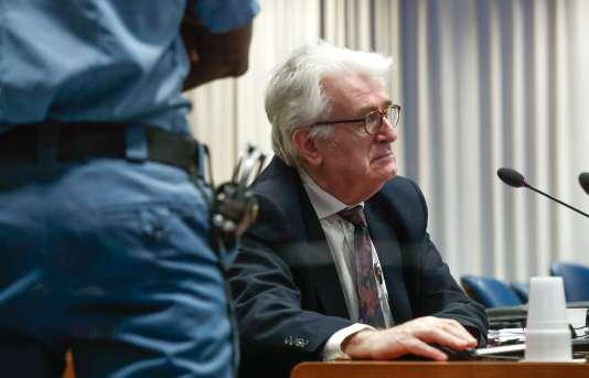 Mardi 24 avril, à la chambre de première instance du Tribunal pénal international pour l'ex-Yougoslavie, Radovan Karadzic, ex-chef politique des Serbes de Bosnie a rejetté les accusations contre lui.