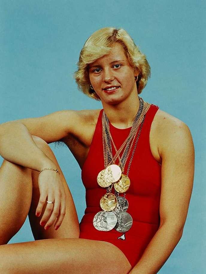 Kornelia Ender au sommet de sa gloire, en 1976, à l'issue des JO de Montréal.