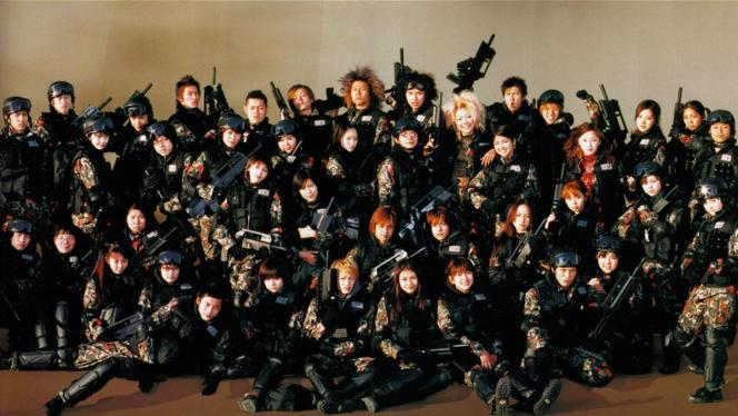 «Battle Royale 2 : Requiem»(2003), suite du film de 2000, et ses lycéens qui s'entretuent pour survivre.
