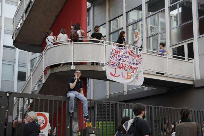 A l'entrée du site de Censier (université Paris-III), vendredi 20avril.