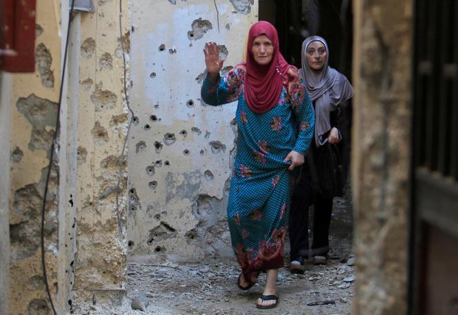 Dans le camp, femmes et enfants vivent avec la peur permanente de la violence.