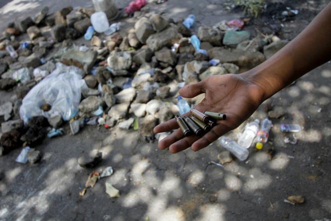 Douilles de munitions utilisées par les forces de police lors des manifestations à l'université de Managua, le 23 avril.