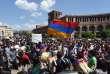 Des manifestations ont à nouveau rassemblé des milliers de personnes à Erevan, jeudi 26 avril.