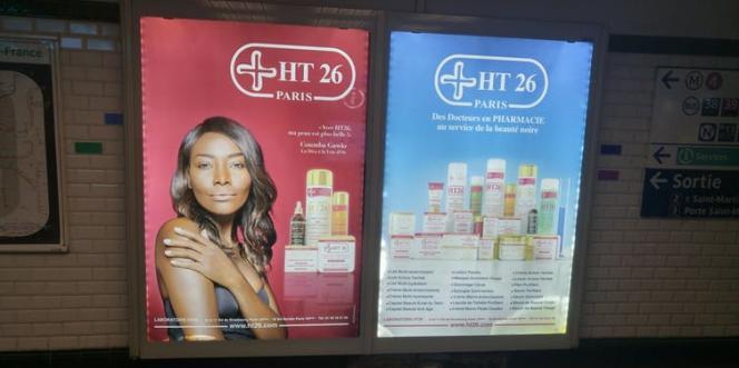 Publicité pour les produits HT 26 conçus « pour les peaux noires et métissées » dans le métro parisien, à la station Château-d'eau, le 24 avril 2018.