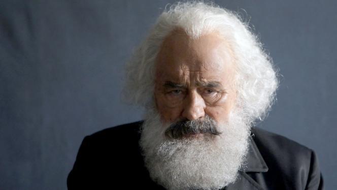 Karl Marx incarné parMario Adorf dans« Karl Marx, penseur visionnaire».