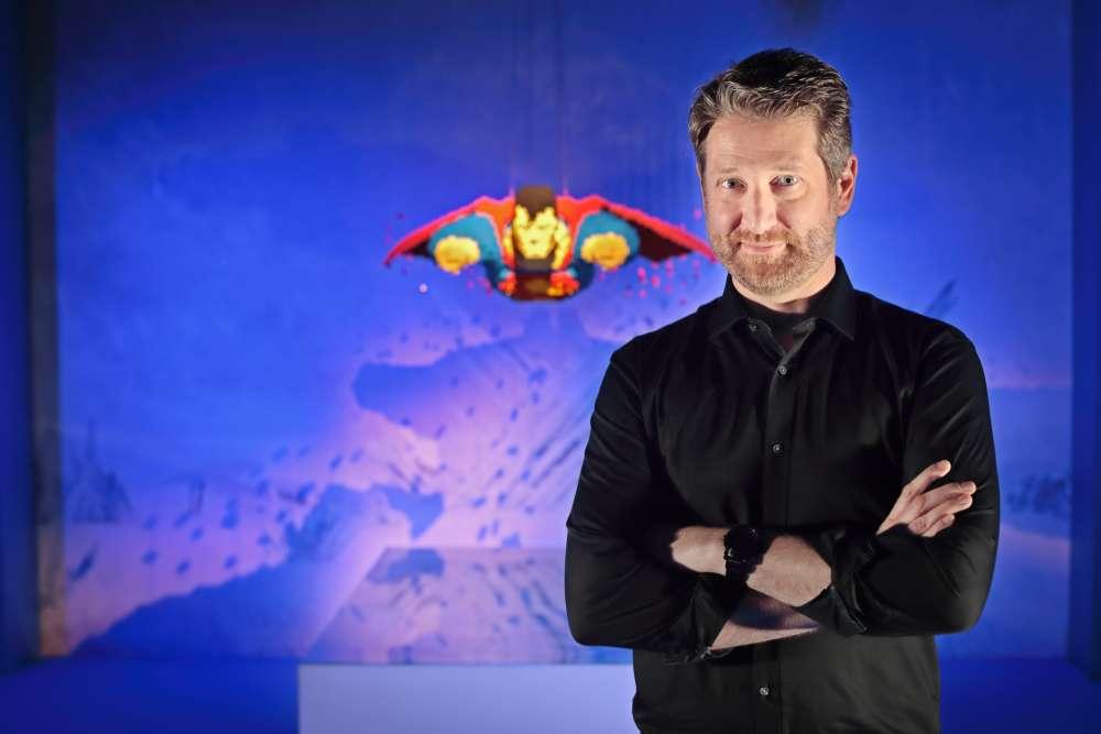 Nathan Sawaya était avocat avant de quitter son métier pour se consacrer aux Lego.