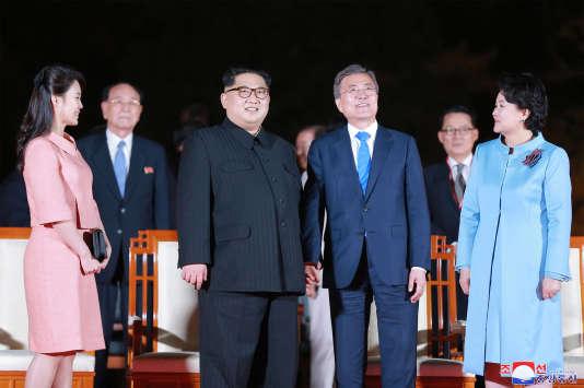 Le leadeur de la Corée du Nord, Kim Jong-un, a promis de dénucléariser son pays à l'issue du sommet entre les deux Corées, le 27 avril.