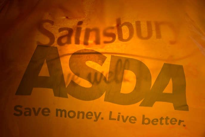 Au Royaum-Uni, les enseignes de distribution, Sainsbury's et Asda vont fusionner.
