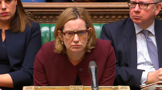Amber Rudd sert de fusible à Theresa May — Scandale Windrush