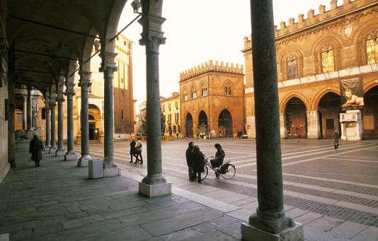 La piazza del Comune, à Crémone, en Lombardie, où l'on peut se lancer sur les traces des amants du film de Luca Guadagnino « Call me by your name».