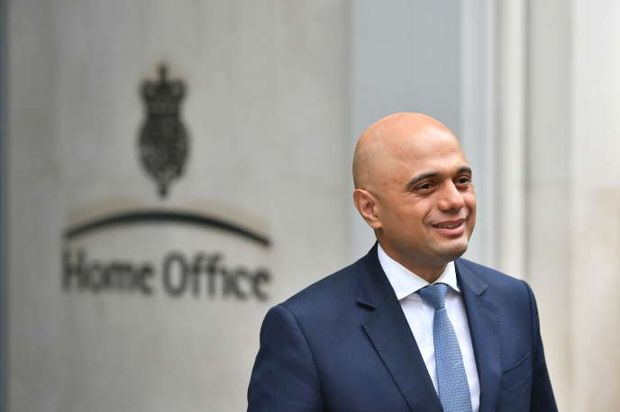 royaume uni sajid javid nouveau ministre de lintrieur charg de dsamorcer le scandale sur limmigration