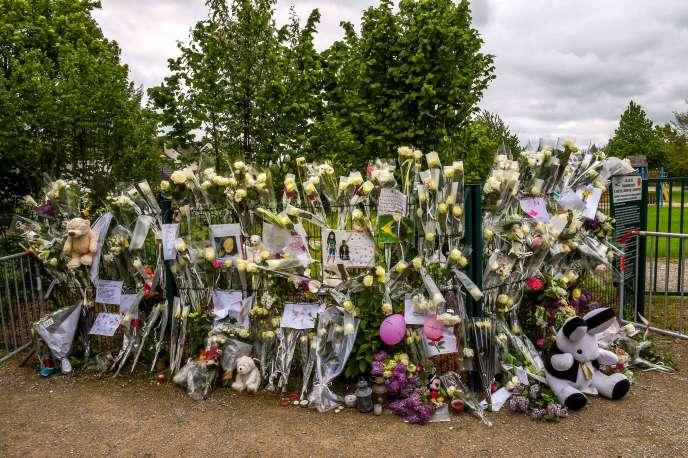 De nombreux messages de soutien ont été déposés à Wambrechies, où habitait la jeune Angélique.