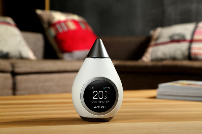 Ween a conçu et commercialise depuis le début de2017 le premier thermostat connecté autonome. L'appareil détecte les habitants de la maison avant qu'ils rentrent chez eux, grâce à leur smartphone.