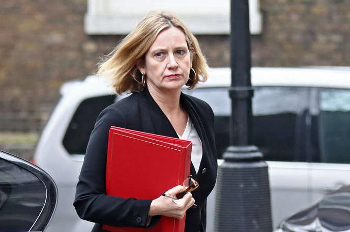 La ministre de l'intérieur britannique, Amber Rudd, au 10, Downing Street, le 12 avril.