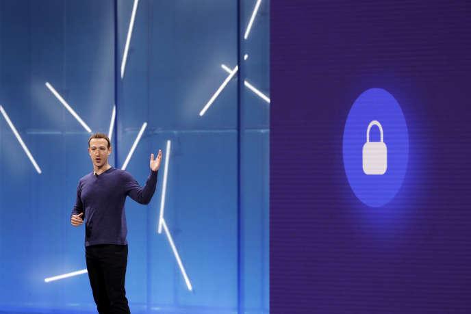 Mark Zuckerberg devrait être confronté à plusieurs sujets sensibles lors de sa visite à Bruxelles et Paris.