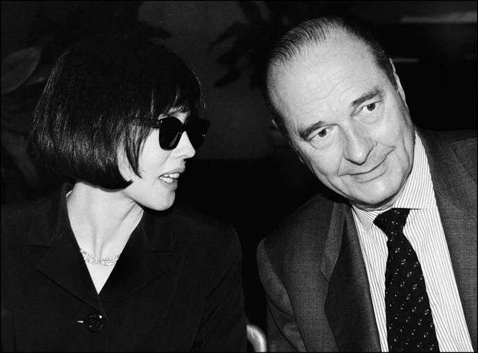 Jacques Chirac fut le seul président de la République à se montrer à Cannes, lors du 50e anniversaire du Festival, en 1997. Ici, avec Isabelle Adjani, alors présidente du jury.