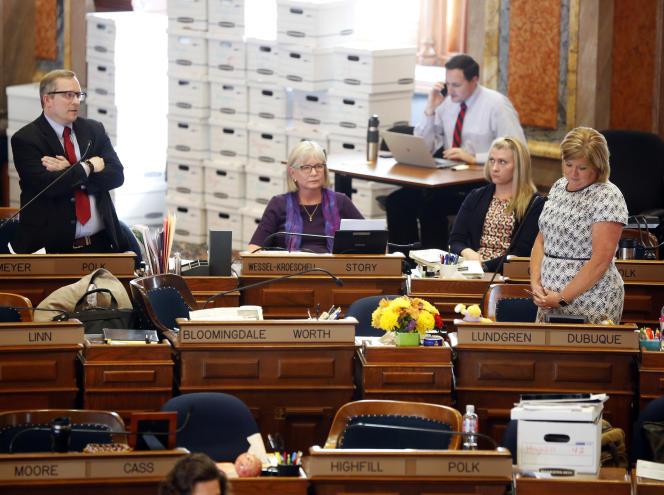 Les représentants de l'Iowa votent leur loi pour le « cœur qui bat» anti-avortement, le 1er mai.