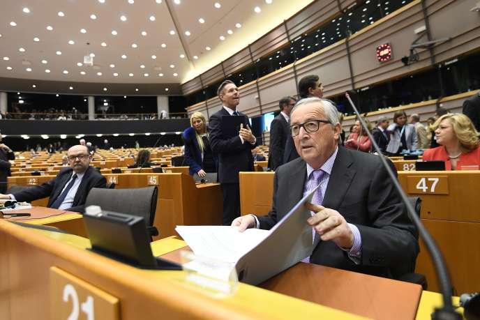 Le président de la commission Jean-Claude Juncker au Parlement européen à Bruxelles le 2 mai.