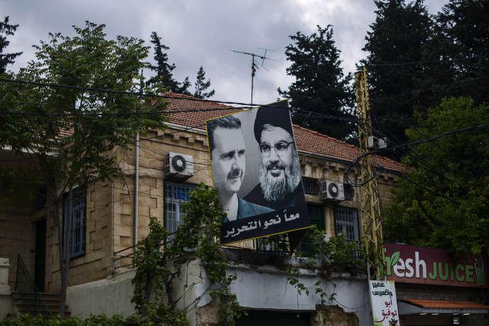 Affiche électorale du Hezbollah pour les élections législatives, à Baalbek (Liban), le 27 avril.