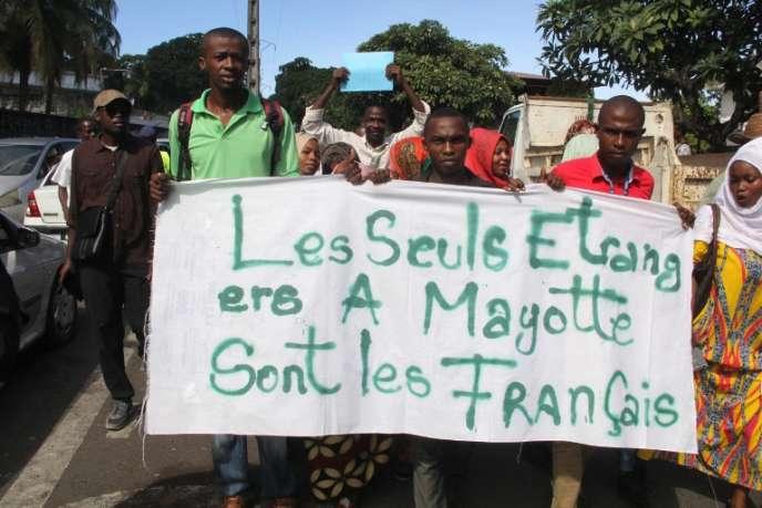Manifestation à Moroni, capitale de Comores, le 12 avril.