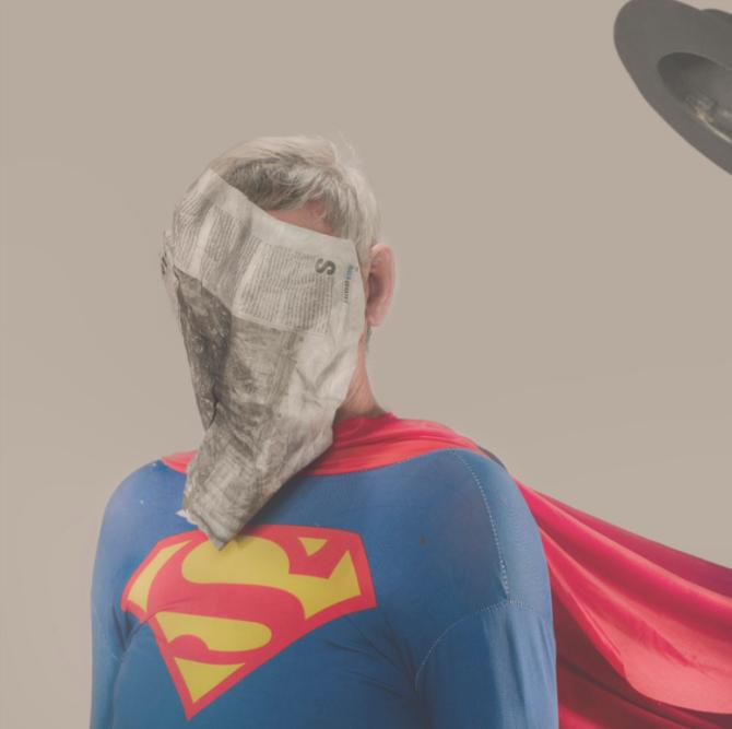 """«Ma première rencontre avec Superman était dans une bande dessinée, où tout semble parfait. Cette """"perfection plastique"""" est quelque chose que je veux dans mes images. En surface tout semble harmonieux mais quand vous commencez à regarder en détail, les choses ne sont pas parfaites», confie le photographe."""