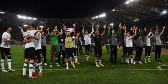 Les joueurs de Liverpool fêtent leur qualification pour la finale de la Ligue des champions, le 2 mai à Rome.