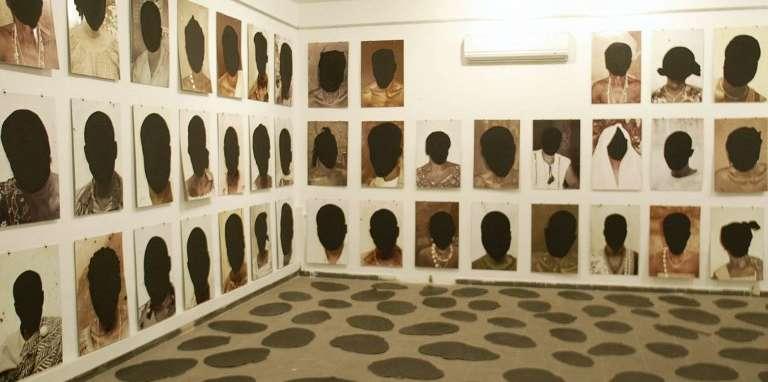 Uneœuvre du Togolais El Loko à la Biennale de Dakar, au Sénégal, en mai 2006.