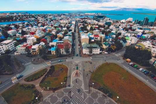 La capitale islandaise est l'étape idéale pour passer du Vieux Continent au Nouveau Monde.