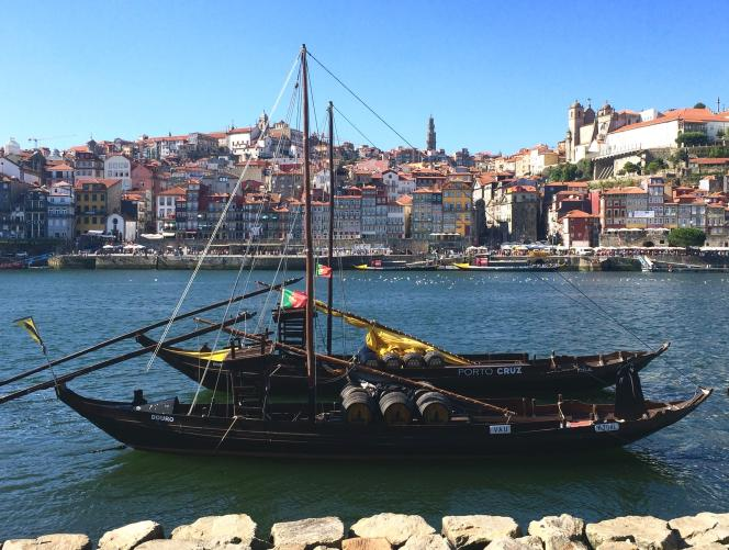 Porto, traversée par le Douro, a un charme fou.