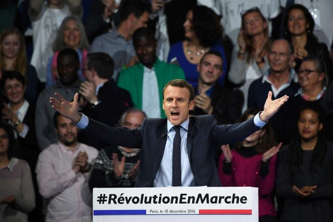 Emmanuel Macron en meeting, porte de Versailles, le 10 décembre 2016.