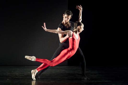 «Steptext» de William Forsythe par le Ballet de l'Opéra de Lyon, à l'Espace Cardin, à Paris.