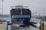 Le cargo « Roosevelt» de la compagnie CMA CGM franchit le canal du Panama, en août 2017.