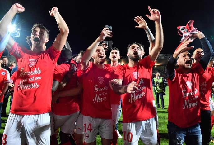 Les Nîmois joueront en Ligue 1 la saison prochaine.