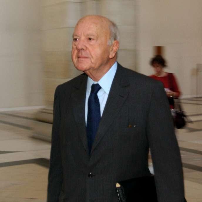 André Tarallo, le 7 juillet 2003, au Palais de justice à Paris, au dernier jour du procès Elf.