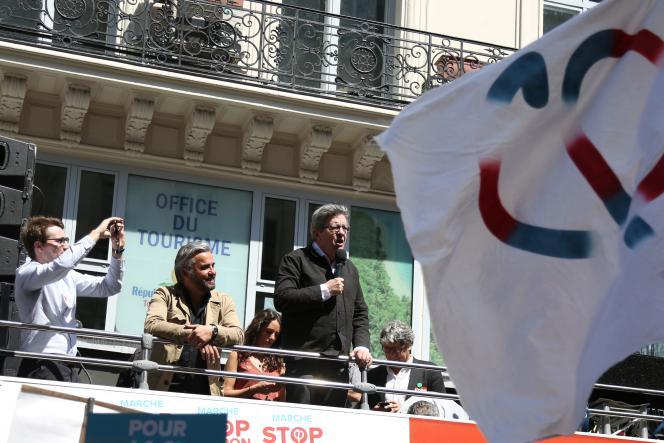 Jean-Luc Mélenchon, et Alexis Corbière (à gauche), le 5 mai lors de la «Fête à Macron»