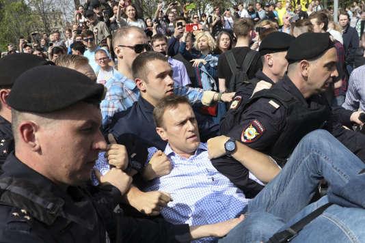 L'arrestation d'Alexeï Navalny lors de la manifestation du 5 mai 2018