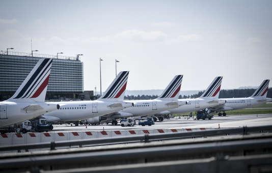 Des avions d'Air France à l'aéroport de Paris-Charles-de-Gaulle, le 24 avril, jour de grève au sein de la compagnie aérienne.