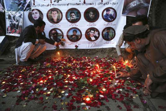 Un hommage, à Kaboul le 3 mai, aux journalistes tués lundi 30 avril en Afghanistan.