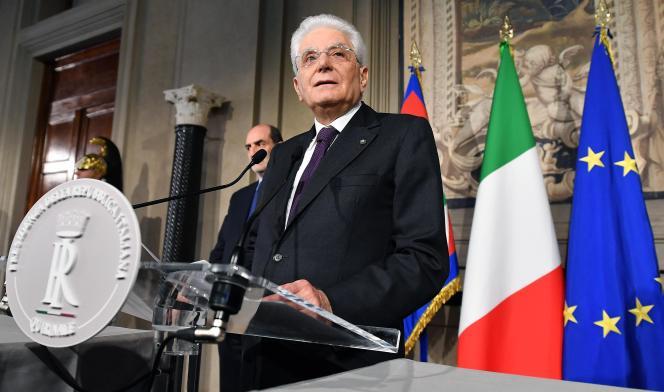Le président italien, Sergio Mattarella, lors d'une conférence de presse à Rome, le 7 mai.
