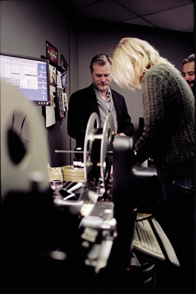 Christopher Nolan, dans un laboratoire à Los Angeles,travaillant sur la copie de«2001 : l'Odyssée de l'espace».