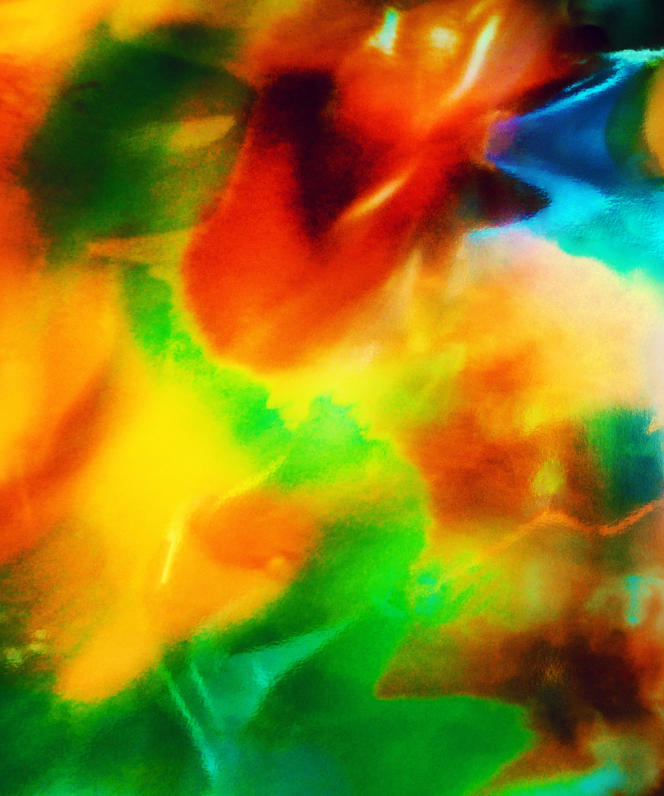 Photographie de la série«Teret», réalisée par Bernard Lantéri en 2018 (tirages sur papier Hahnemülhe, 50x60cm). Comme pour les séries précédentes, reflets lumineux sur une feuille de papier neutre, avec une disposition nouvelle des filtres colorés.