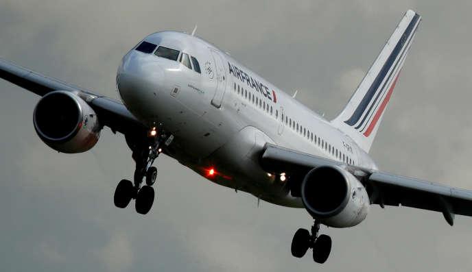 Les syndicats et la direction d'Air France s'affrontent depuis le début de l'année sur des revalorisations salariales.