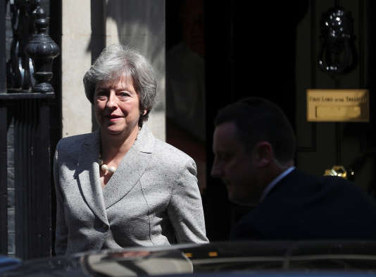 Theresa May au 10 Downing Street, à Londres, le 8 mai 2018.